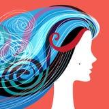 Silueta de la mujer con el pelo rizado Fotos de archivo