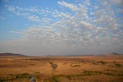 Silueta de la sombra de Tanzania del safari del globo Imagen de archivo libre de regalías