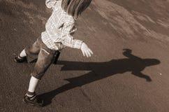 Silueta de la sombra del niño Fotos de archivo