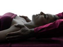Silueta de la terapia del masaje del hombro Fotografía de archivo