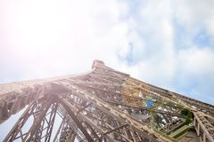 Silueta de la torre Eiffel por día Fotografía de archivo libre de regalías