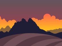 Silueta de montañas y del campo en puesta del sol Foto de archivo