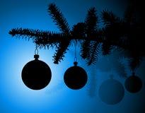 Silueta de un árbol de navidad Fotografía de archivo libre de regalías