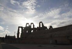 Silueta de un anfiteatro romano Fotografía de archivo