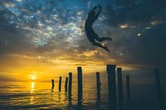Silueta de un nadador Fotos de archivo