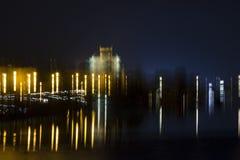 Silueta de una ciudad de la noche Foto de archivo libre de regalías
