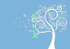 Silueta del árbol y de mariposas Foto de archivo libre de regalías