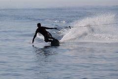 Silueta del esquí acuático Imagen de archivo