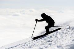 Silueta del esquiador del estilo libre foto de archivo
