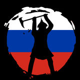 Silueta del guerrero en la bandera de Rusia y el fondo negro Fotografía de archivo libre de regalías