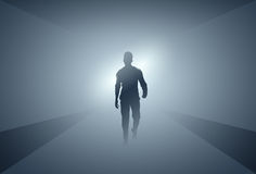 Silueta del hombre de negocios que hace paso adelante integral sobre Grey Light Background Imagenes de archivo