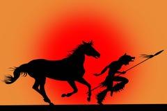 Silueta del hombre indio que se ejecuta con un caballo Imagenes de archivo