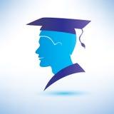 Silueta del hombre joven con el casquillo de la graduación Fotos de archivo