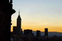 Silueta del horizonte de Ciudad de México Imagenes de archivo