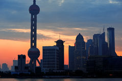 Silueta del horizonte de la mañana de Shangai Imagenes de archivo