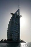 Silueta del hotel del árabe del al de Burj Imagenes de archivo