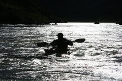 Silueta del Kayaker Foto de archivo libre de regalías