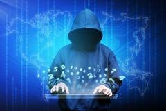 Silueta del pirata informático de ordenador del hombre encapuchado Foto de archivo