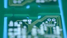 Silueta del tablero moderno del circuito impreso, Dolly Shot motorizada metrajes
