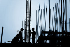 Silueta del trabajador de construcción Imagenes de archivo