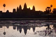 Silueta del wat de Angkor fotografía de archivo libre de regalías