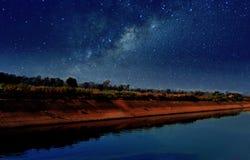 Silueta en la noche Imagenes de archivo