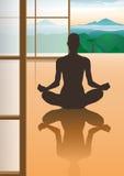 Silueta femenina de la meditación Foto de archivo libre de regalías