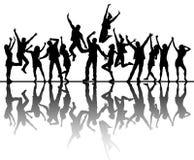 Siluetas de baile de la gente con la reflexión ilustración del vector