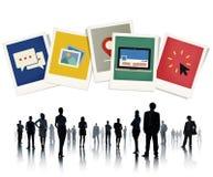 Siluetas de hombres de negocios con símbolos del negocio Imagen de archivo