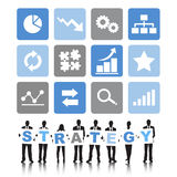 Siluetas de hombres de negocios y del concepto de la estrategia Foto de archivo libre de regalías
