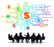 Siluetas de hombres de negocios y del concepto global de las finanzas Imagenes de archivo