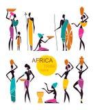 Siluetas de la gente africana nativa