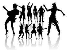 Siluetas de la gente de baile y cantante Fotografía de archivo