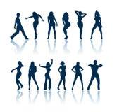 Siluetas de la gente del baile Fotos de archivo libres de regalías