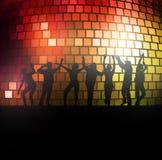 Siluetas de la gente del baile Foto de archivo libre de regalías