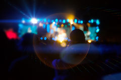 Siluetas de la gente y de músicos Fotografía de archivo