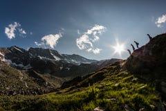 Siluetas de la montaña Fotografía de archivo
