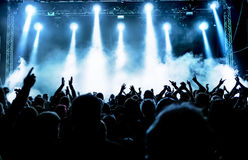 Siluetas de la muchedumbre del concierto Fotografía de archivo libre de regalías