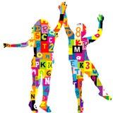 Siluetas de los niños modeladas en letras y números Imagen de archivo