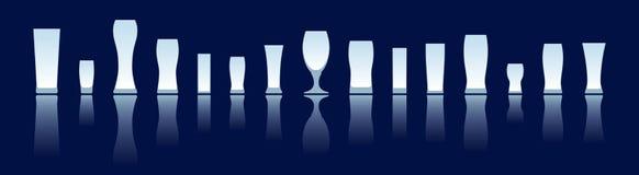 Siluetas de los vidrios de cerveza Ilustración del Vector