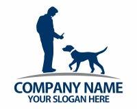 Siluetas de perros y de su logotipo de los dueños Imagen de archivo libre de regalías