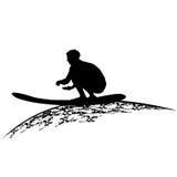 Siluetas de personas que practica surf stock de ilustración