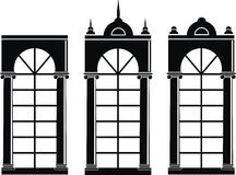 Siluetas de ventanas medievales Fotos de archivo