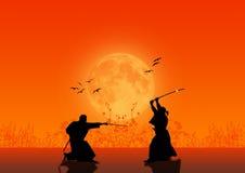 Siluetas del samurai Imagenes de archivo
