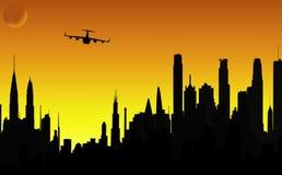 Siluetas del vector de la ciudad y del aeroplano Foto de archivo libre de regalías
