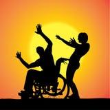 Siluetas del vector de la gente en una silla de ruedas Fotografía de archivo