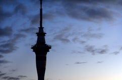 Siluetee la torre del cielo Fotografía de archivo libre de regalías
