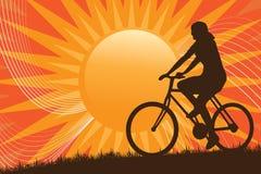 siluetta biking della montagna royalty illustrazione gratis