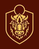 Siluetta capa della Buffalo sull'emblema di vettore dello schermo illustrazione di stock