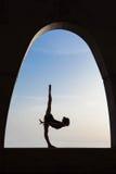 Siluetta del ballerino di balletto all'aperto Fotografia Stock Libera da Diritti
